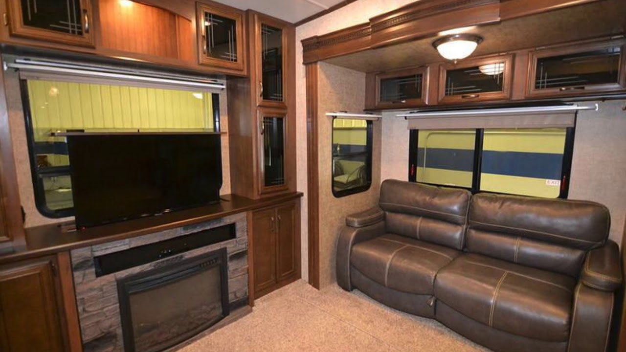 Gentil Used 2016 Forest River Sandpiper 389RD For Sale In Newark, Ohio