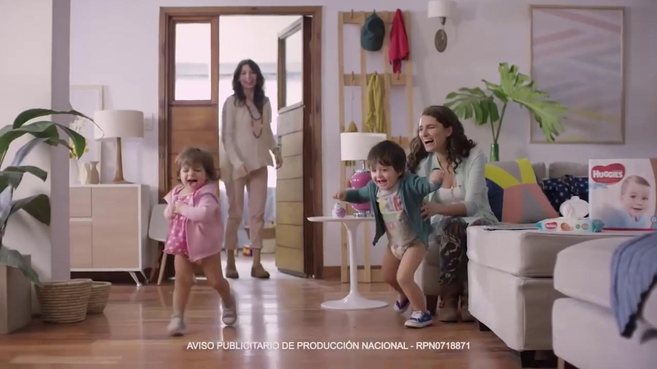 Publicidad - HUGGIES - Natural Care para ellas y ellos - #ElMejorPañal de HUGGIES