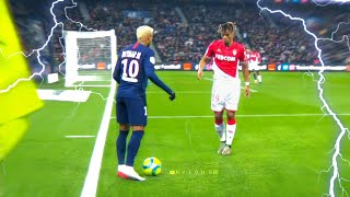 Neymar invents dribbling never seen in football!