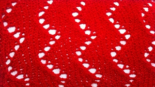 Ажурный узор зигзаг. Видео урок вязание на спицах для начинающих. Zigzag openwork pattern knitting