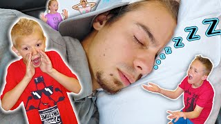 MailMan Won't WAKE UP! Trying To Wake Sleeping Mail Man With Kids Fun TV!