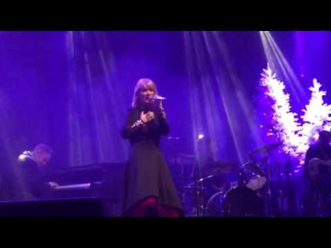 Natalie Grant singing her Christmas song - YouTube