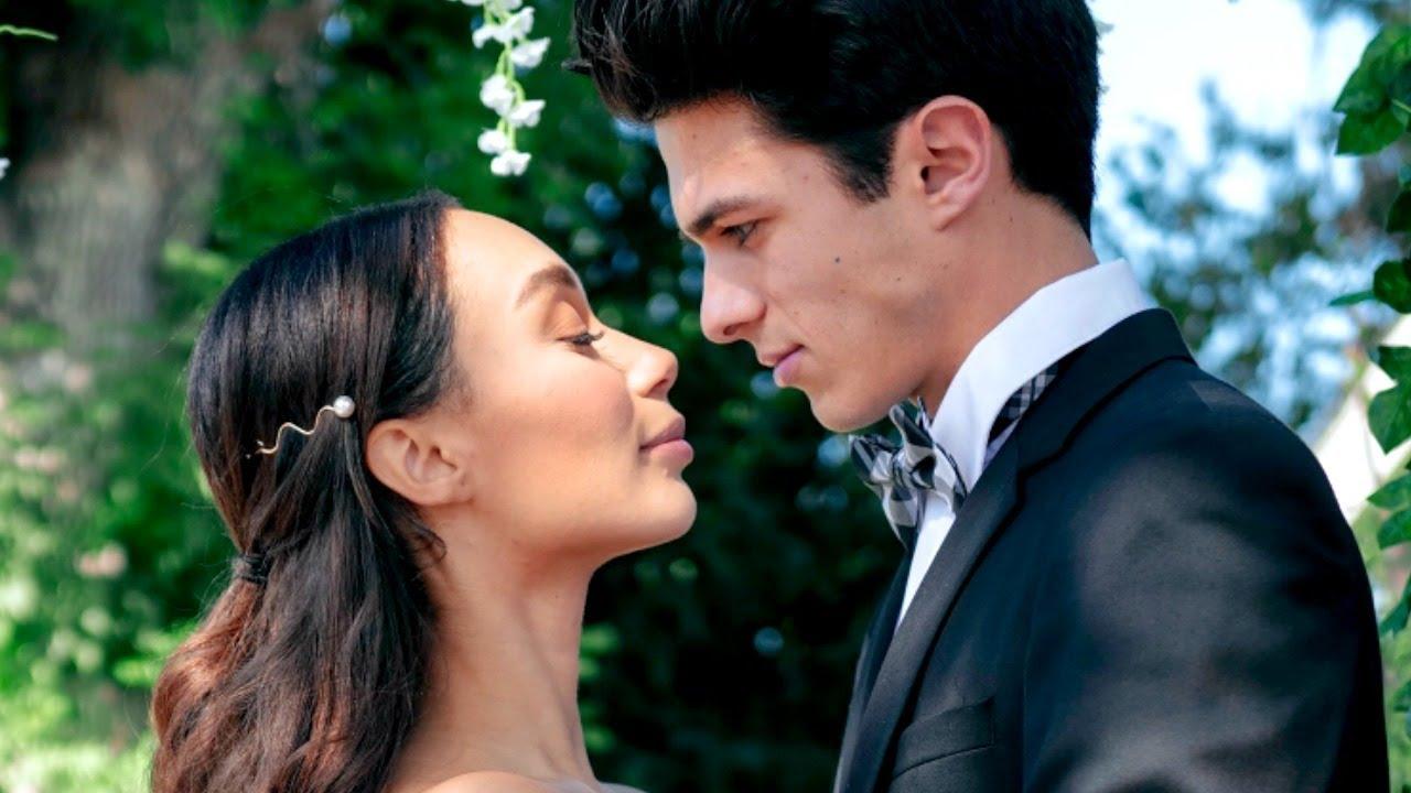 MARRYING BRENT! THE VLOG | VLOGTOWSKI
