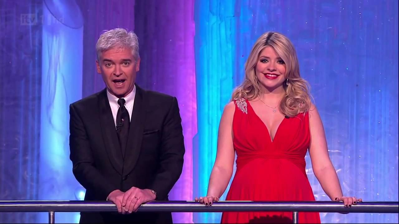 Holly Willoughby Huge Cleavage Pregnant Dancing On Ice 27 Mar 11 Tvstars Youtube