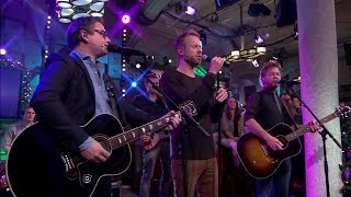 Guus Meeuwis en Diggy Dex openen de show - RTL LATE NIGHT