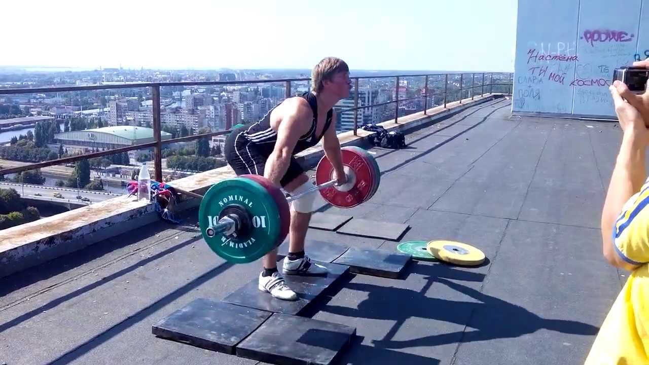 Dmitry Lapikov Weightlifting Over The Sky - YouTube