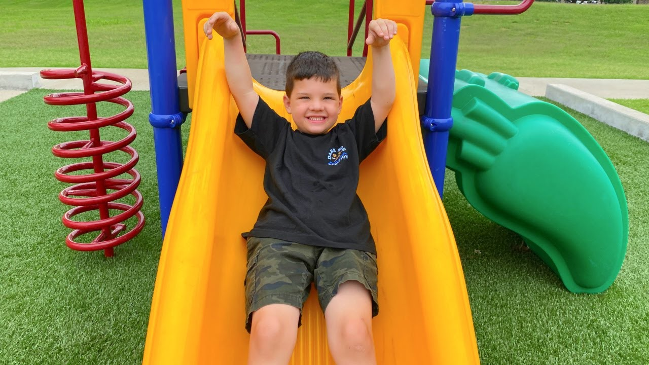 BEST KIDS PLAYGROUND PARK!! CALEB & MOMMY PLAYING OUTSIDE on SLiDES, GiANT SWiNGS!  FUN BUG HUNT!