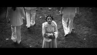 Jitka Válková / Modesty & Pride - Inside the Trap (HD)