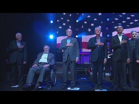 پنج رییس جمهوری پیشین ایالات متحده آمریکا برای کمک به آسیب دیدگان طوفان بروی صحنه رفتند
