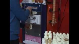 Türkiyede tek 25 dakikada 115 külah arka arkaya veren soft dondurma makinesi,hemde bu kadar ucuza..