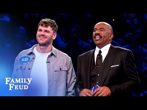 the-chainsmokers-catch-fire-in-fast-money!-|-celebrity-family-feud