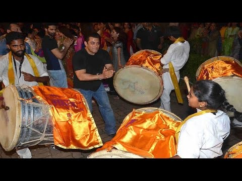 Salman Khan's CRAZY DANCE moves at Ganpati...