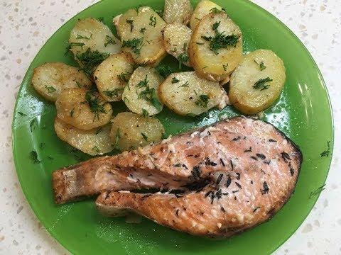 Красная рыба запечённая с картофелем в духовке.