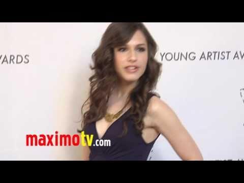"Erin Sanders ""Young Artist Awards"" 2011 Red Carpet"