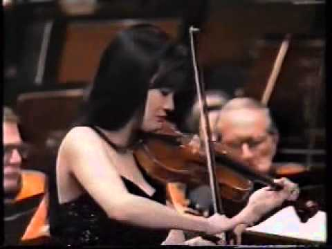 Siow Lee Chin plays Wieniawski's Violin Concerto #2 in D- with the SSO Part 1/2