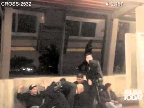 Witness video of police shooting a man in an Oakland train station Mp3