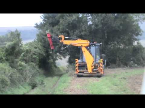 Extreme Hedge Cutting and DeLimbing with Protech Powerblade on JCB 3CX