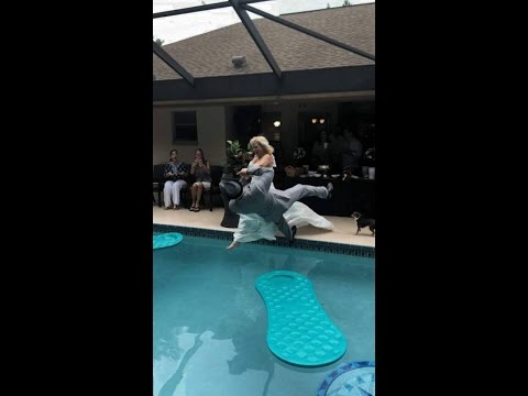 Wedding Fail,  OMG Bride and Groom Go for a Swim