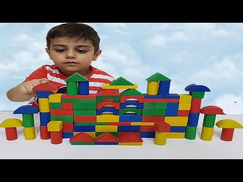 Renkli ahşap bloklar açtık, oynadık - Çınar Efe pretend play with colored wooden blocks.