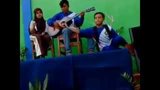 Download Video selingkuh - sma n 1 tiris MP3 3GP MP4