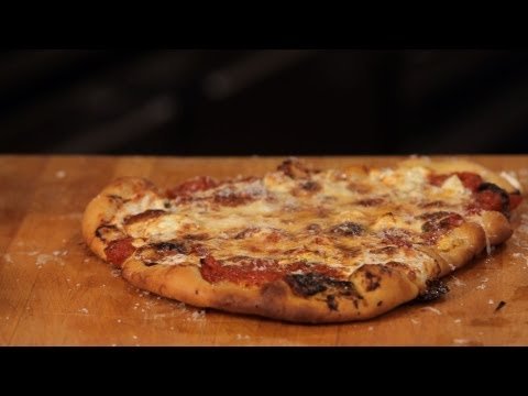 How to Make Pizza Without a Pizza Stone