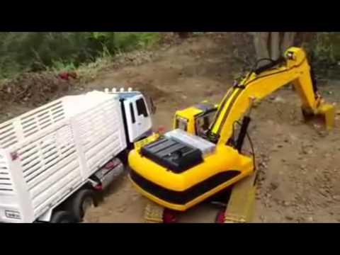 รถดั้มกับรถตักดิน