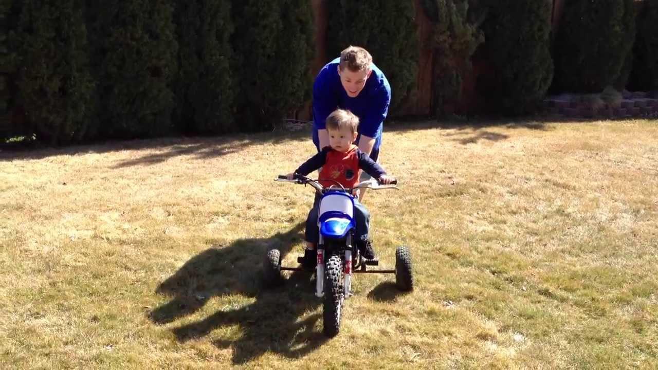43c7ec20c06 1 year old on dirt bike. - YouTube