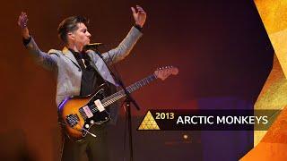 Arctic Monkeys - I Bet You Look Good on the Dancefloor (Glastonbury 2013)