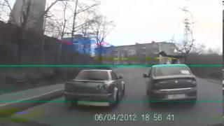 Крутой баклан довыпендривался перед учебным авто