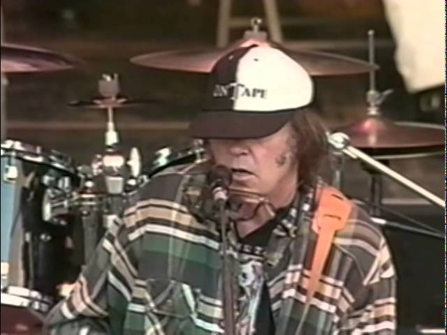neil-young-full-concert-10-19-97-shoreline-amphitheatre-official-neil-young-on-mv