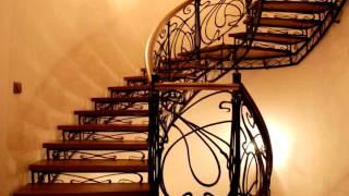 видео Кованые лестницы: дизайн винтовых перил в доме, фото