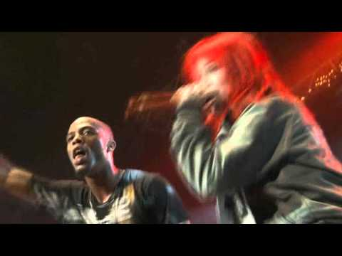 B.o.B. ft. Hayley Williams - Airplanes (107.9 The End Jingle Ball, 3.12.2010)