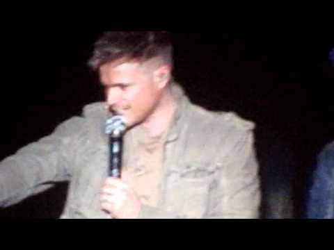 Westlife Belfast 6.4.11 Nicky Reading Banners & Mexican Wave