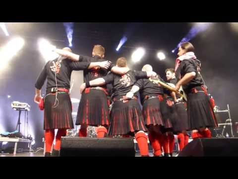 Red Hot Chilli Pipers - We Will Rock You/Auld Lang Syne/Zugabenblock - Wiesbaden 8.11.16