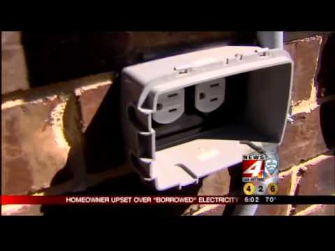 Homeowner confronts construction crews stealing electricity