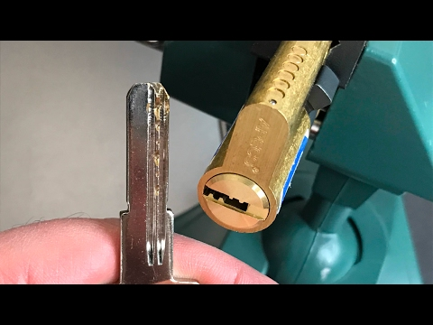 Взлом отмычками Апекс, Гард SM  [420] Apecs SM Euro Profile Dimple Cylinder Picked and Gutted ()