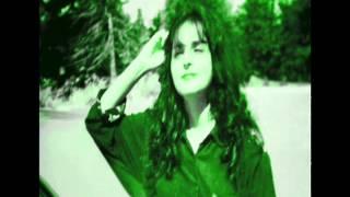 Song  Aao huzur tumko sitaron mein le chaloon    sang by Rashmi Ballard