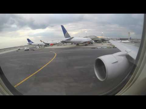 United Airlines Boeing 767-300ER departing EWR to AMS