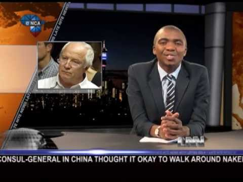 Late Nite  with Loyiso Gola  Loyiso Gola talks about Oscar Pistorius' father and a sketch