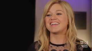 Kelly Clarkson Reflects on The 10 Year Ride Since American Idol