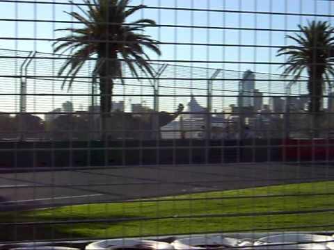 2009 Melbourne Grand Prix - Qualifying Session - McLaren