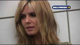 Heidi Klum Poses In Front Of Chanel In Beverly Hills