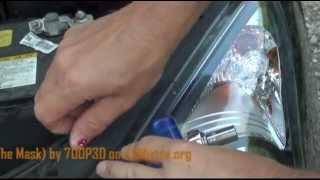 Changing lightbulb on Hyundai i30