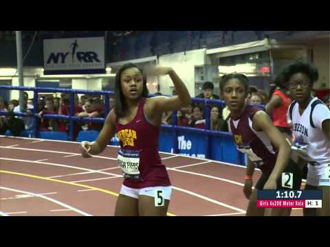 Girls 4x200m Relay High School   NYRR Millrose Games 2015