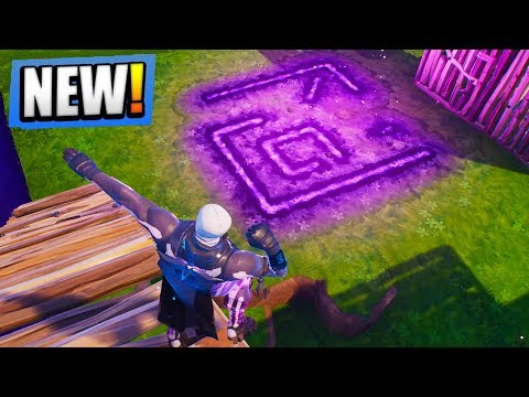 the-cube-is-activating-right-now-near-greasy-grove-fortnite-battle-royale