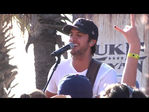 Luke Bryan - Suntan City
