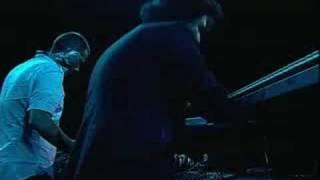 Thievery Corporation - Sound the Alarm (Live)