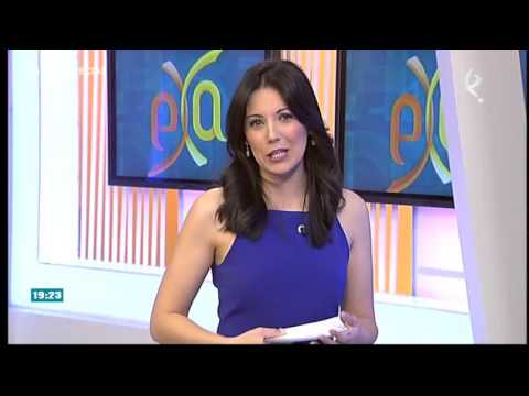 Sexy presentadora de TV thumbnail