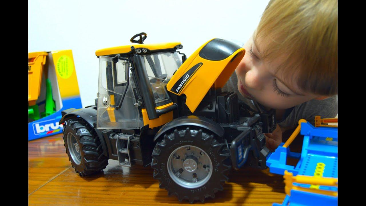 Трактор Bruder