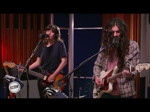 Courtney Barnett and Kurt Vile performing